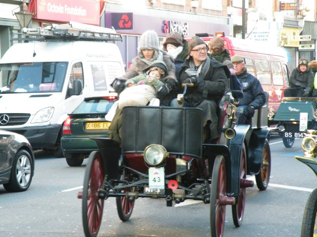 London to Brighton Veteran Car Run Tooting 5th November 2017