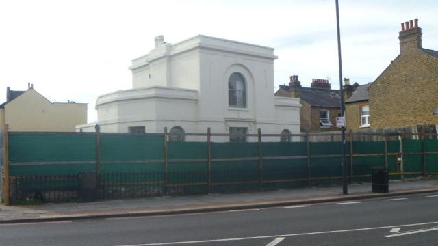 Picture of the Lodge, 100 Tooting Bec Road taken by Libby Lawson
